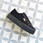 09201_amorshoes-victoria-blucher-plataforma-barcelona-chica-lona-negra-negro-09201
