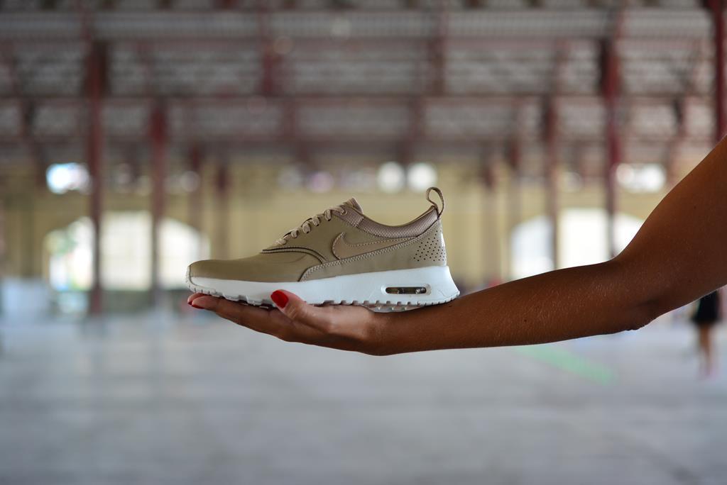amorshoes-nike-air-max-thea-piel-beige