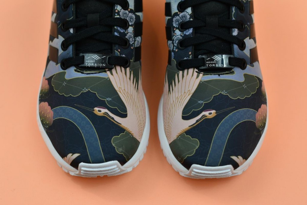 s75039_amorshoes-adidas-originals-zx-flux-w-estampado-japones-rita-ora-S75039