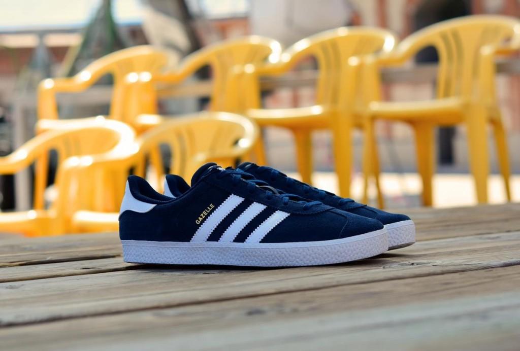 B24620_amorshoes-adidas-originals-gazelle-2-j-azul-marino-niño-junior-B24620