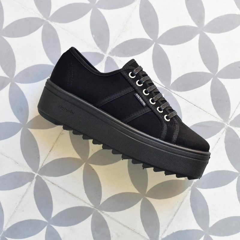 Plataforma Dentada Victoria 9310 Antelina Negra 09310_amorshoes-victoria-shoes-blucher-plataforma-dentada-chica-antelina-negra-negro-09310