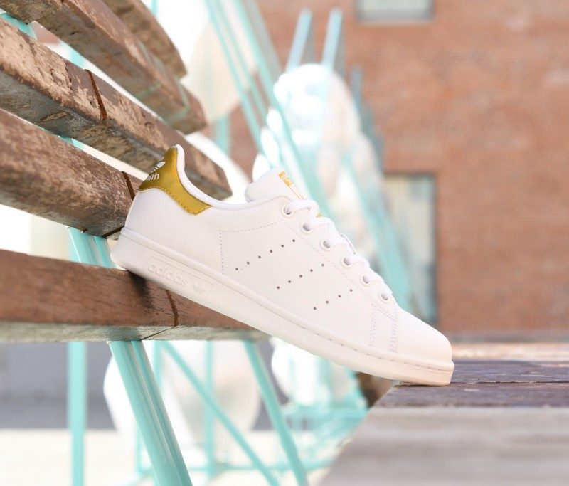 BB0209_amorshoes-adidas-originals-stan-smith-blanca-logo-dorado-oro-Color-Footwear-White-Gold-Metallic-BB0209