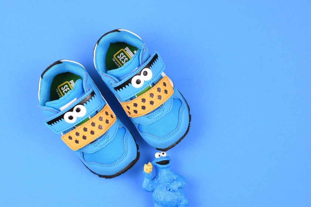 362676-01_AmorShoes-Puma-sesame-street-ST-Runner-cookie-monster-Barrio-sesamo-monstruo-de-las-galletas-blue-danube-azul-white-blanco-362676-01
