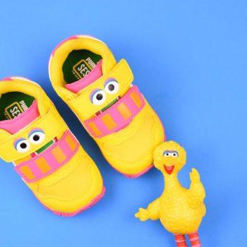 362889-01_AmorShoes-Puma-sesame-street-ST-Runner-big-monster-bird-sesamo-gallina-caponata-blue-amarilla-amarillo-dandelion-white-blanco-362889-01