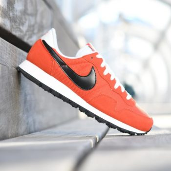 827921-800_AmorShoes-Nike-Air-Pegasus-83-naranja-Max-Orange-Logo-negro-black-off-white-827921-800