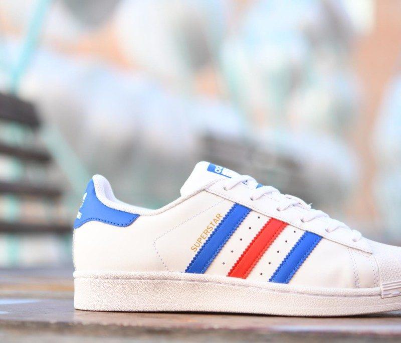 7219efd3e90 BB0354 Amorshoes-Adidas-Originals-Superstar-J-footwear-white-blue-