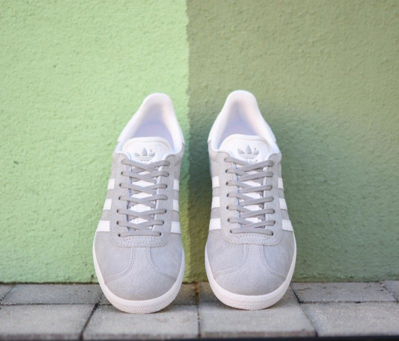 adidas gazelle j gris