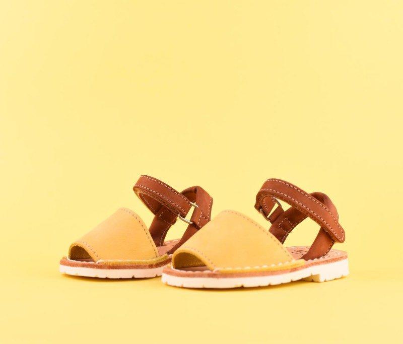 18219_AmorShoes-Avarca-Ria-Menorca-niño-niña-Nobuck-MARRON-choco-chocolate-amarilla-menorquina-ibicenca-18219
