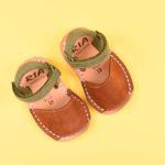 18220_AmorShoes-Avarca-Ria-Menorca-niño-niña-Nobuck-MARRON-choco-chocolate-KAKI-caqui-menorquina-ibicenca-18220