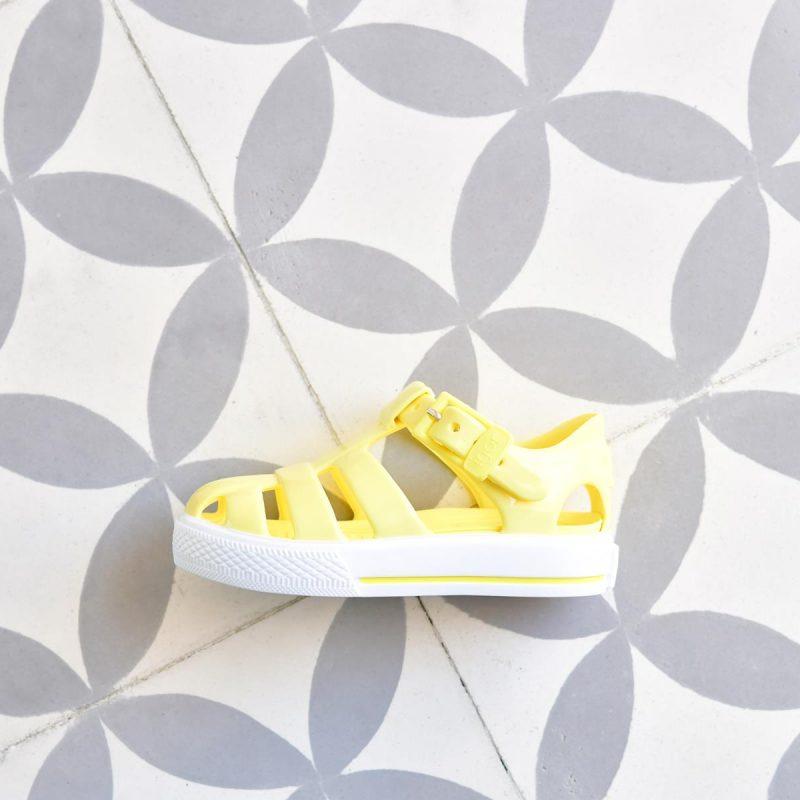 S10164-008_AmorShoes-Igor-shoes-tenis-solid-cangrejera-sandalia-goma-para-agua-color-amarillo-yellow-s10164-008