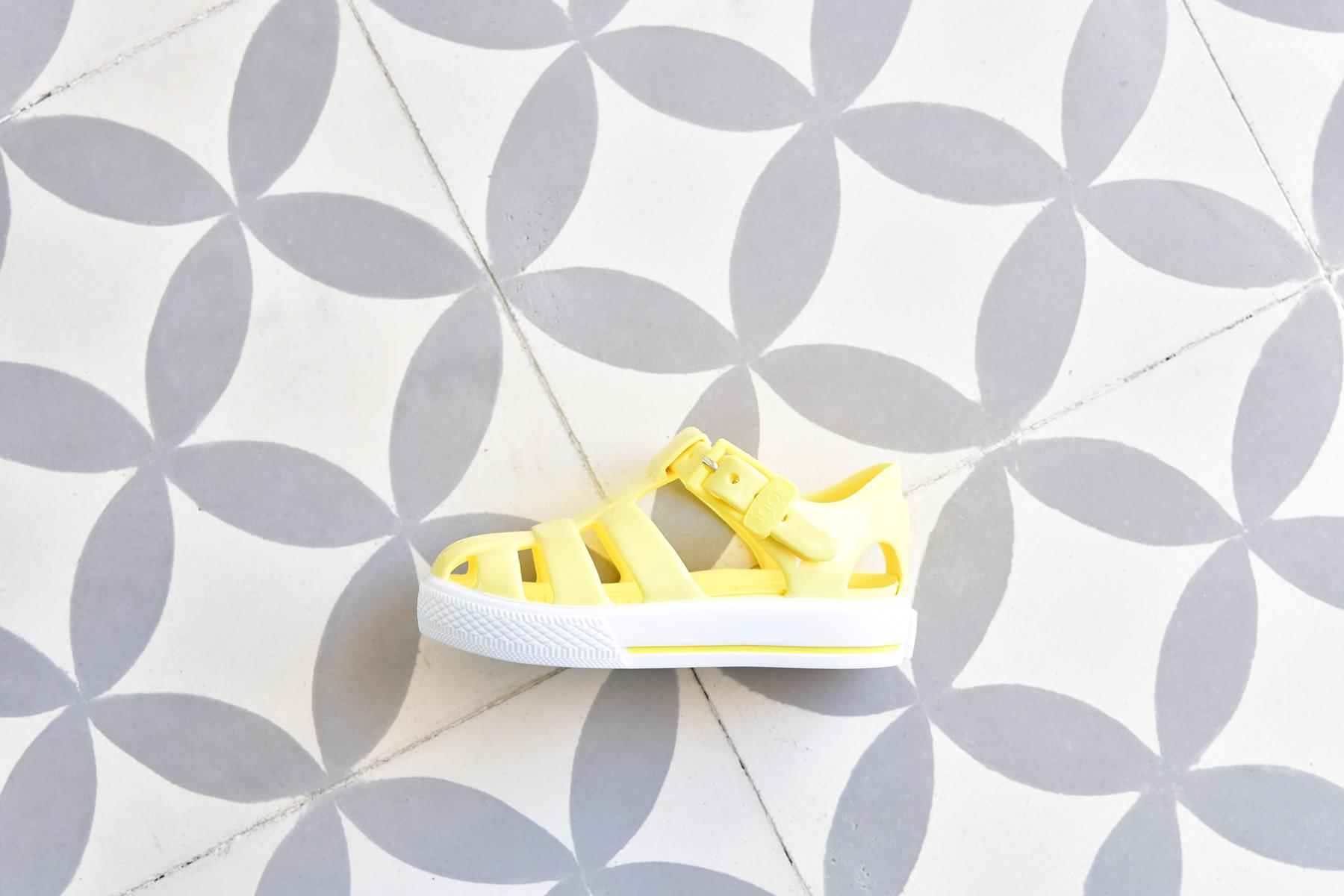 Sandalias de Goma tipo Cangrejera | Cangrejeras, Zapatos