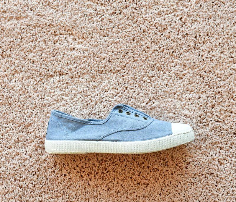 6623_amorshoes-victoria-inglesa-elastica-puntera-goma-lona-lavada-azul-66233