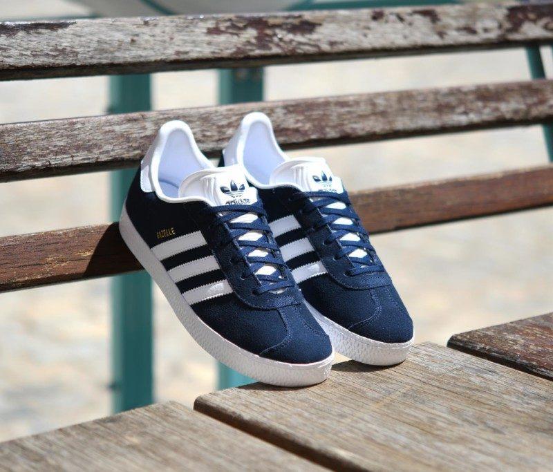 0d3484642224a BY9144 AmorShoes-adidas-originals-gazelle-J-piel-vuelta-azul-