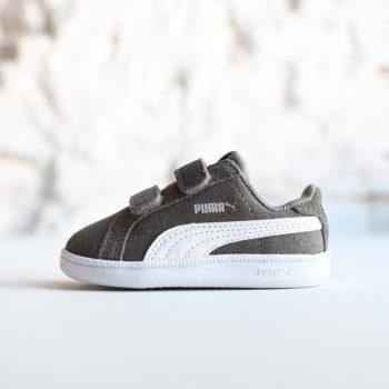 362090-09_AmorShoes-Puma-Smash-Fun-SD-V-Infant-steel-gray-white-zapatilla-velcro-niño-piel-vuelta-ante-gris-logo-blanco-362090-09