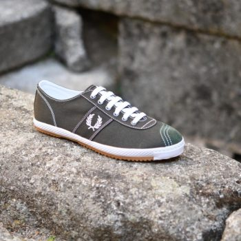 B6309_AmorShoes-Fred-Perry-Table-Tennis-Canvas-408-Hunting-green-zapatilla-clasica-chico-lona-piel-vuelta-verde-oscuro-blanco-B6309