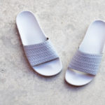 BY9906_AmorShoes-Adidas-Originals-Adilette-mid-grey-chanclas-gris-claro-BY9906