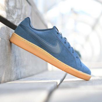 819802-402_AmorShoes-Nike-Court-Royale-Suede-Armory-Navy-zapatilla-piel-vuelta-Azul-suela-caramelo-819802-402