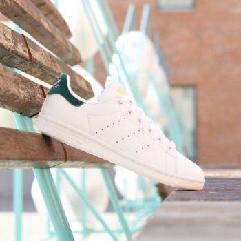 BY9984_AmorShoes-Adidas-Originals-Stan-Smith-J-Velvet-Green-White-zappatilla-piel-blanca-logo-terciopelo-verde-BY9984