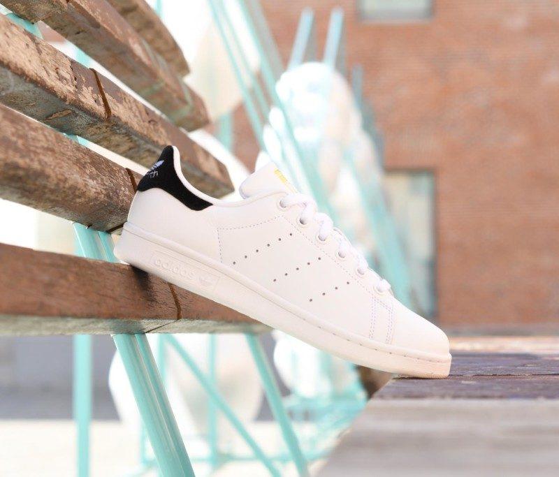designer fashion 9cb4b 1ce1f BY9985AmorShoes-Adidas-Originals-Stan-Smith-J-Velvet-Black-