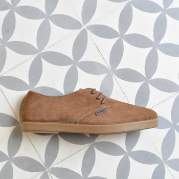 DLBAW-03_AmorShoes-Barqet-Dogma-Low-Basic-Sand-Suede-zapato-zapatilla-piel-vuelta-beige-tierra-tostado-forro-paño-textil-DLBAW-03