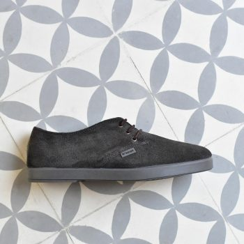 DLBAW-04_AmorShoes-Barqet-Dogma-Low-Basic-Stone-Suede-zapato-zapatilla-piel-vuelta-gris-oscuro-piedra-forro-paño-textil-DLBAW-04