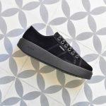 260116_AmorShoes-Victoria-blucher-plataforma-deportiva-antelina-negra-260116