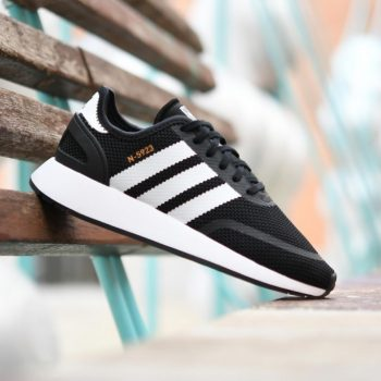 AC8544_AmorShoes-Adidas-Originals-Iniki-J-Junior-N-5923-core-black-footwear-white-malla-blanco-negro-AC8544