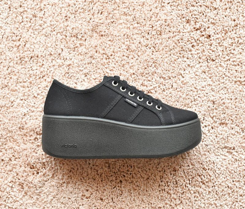 102101_amorshoes-victoria-nueva-plataforma-cuña-deportiva-lona-negra-negro-102101
