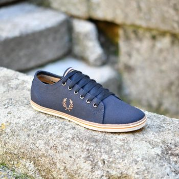 B6259U_AmorShoes-Fred-Perry-Kingston-twill-248-navy-zapatilla-chico-lona-azul-marino-logo-marron-B6259U