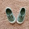 06627_AmorShoes-Victoria-inglesa-color-verde-jade-niños-lona-sin-cordones-elastico-puntera-goma-06627