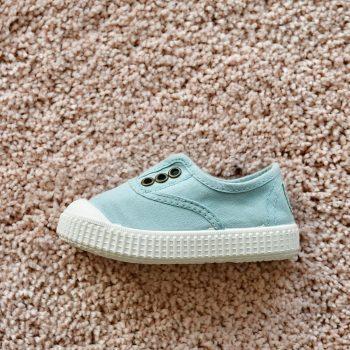 06627_AmorShoes-Victoria-inglesa-color-verde-manzana-niños-lona-sin-cordones-elastico-puntera-goma-06627