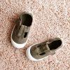 36625_AmorShoes-Victoria-pepito-sandalia-color-verde-militar-niños-lona-sin-cordones-velcro-puntera-goma-36625
