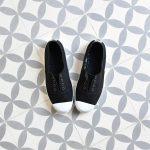 6623_amorshoes-victoria-inglesa-elastica-puntera-goma-lona-lavada-negro-negra-rojo-black-6623