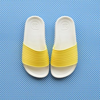 S10205-008_AmorShoes-Igor-shoes-beach-chancla-goma-para-agua-color-amarillo-yellow-S10205-008