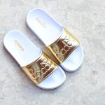 101.173879_AmorShoes-chancla-Diadora-Sportswear-SERIFOS'90-WMN-RICH GOLD-dorada-blanca-101.1738791