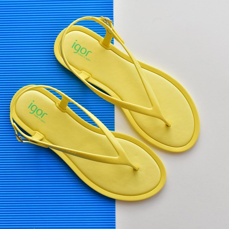 S10208-008_AmorShoes-Igor-Shoes-niza-Cangrejera-sandalia-goma-mujer-cierre-hebilla-color-azul-amarillo-yellow-S10208-008
