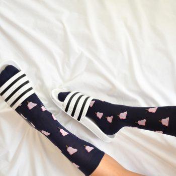 amorsocks-calcetines-socks-pie-helado-azul-marino-navy-rosa-pies-frigopie-helado