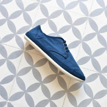 20005_amorshoes-Bamba-by-Victoria-lona-lavada-zapatilla-cordones-color-azul-marino-20005