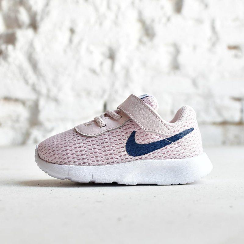 variedad de estilos de 2019 compra venta diseño elegante Nike Sportswear Tanjun Rosa Logo Azul