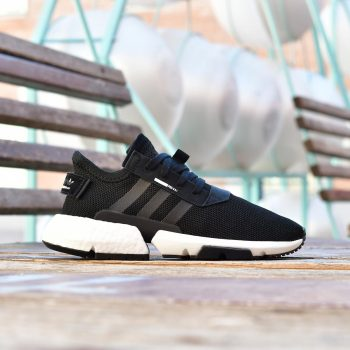 B37366_AmorShoes-Adidas-Originals-POD-S3.1-Core-Black-Footwear-White-zapatilla-negra-rayas-negras-suela-blanca-boost-EVA-POD-System-B37366