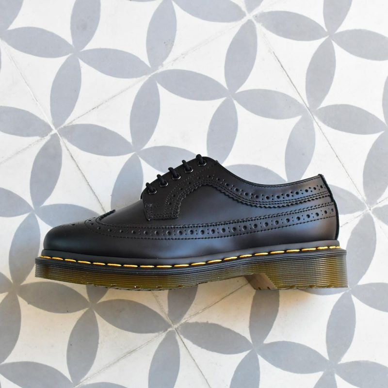 3989Smooth_AmorShoes-Dr.Martens-Brogue-Shoe-22210001-black-smooth-shoes-zapatos-calados-puntera-vega-22210001-negro-3989Smooth