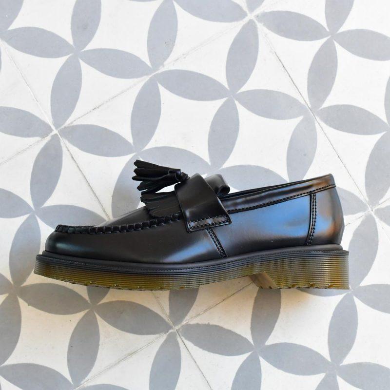AdrianSmooth_AmorShoes-Dr.Martens-Loafer-Shoes-Black-14573001-smooth-zapato-mocasin-antifaz-borlas-negro-14573001-AdrianSmooth