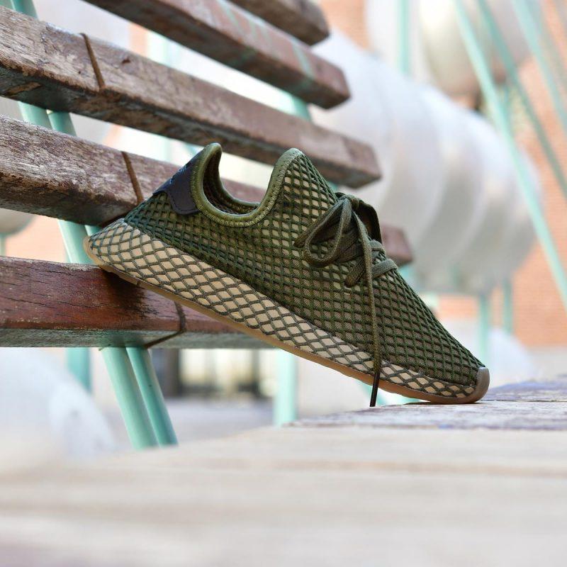 https://images.amorshoes.es/2018/09/B41771_AmorShoes-Adidas-Originals-DEERUPT-RUNNER-VERDE-OLIVA-OSCURO-BASE-GREEN-BASE-GREEN-ORANGE-SUELA-DE-CARAMELO-MALLA-VERDE-B41771-14-800x800.jpg