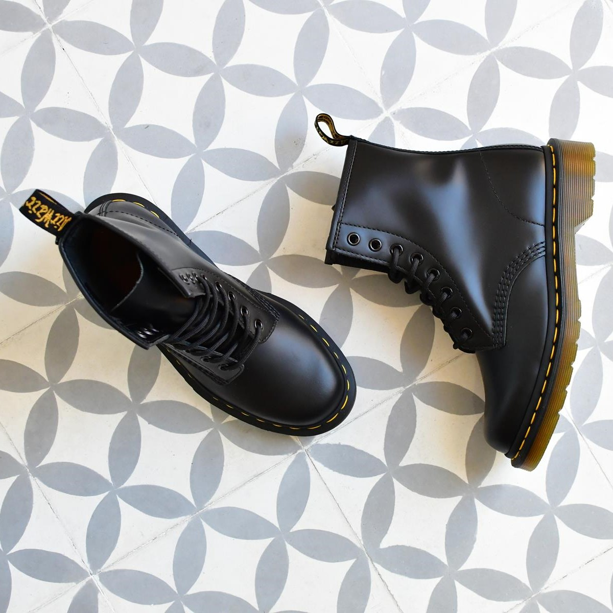 1460Smooth_AmorShoes-Dr.Martens-Eye-Boot-10072004-black-smooth-boots-botas-10072004-negro-negra-1460Smooth