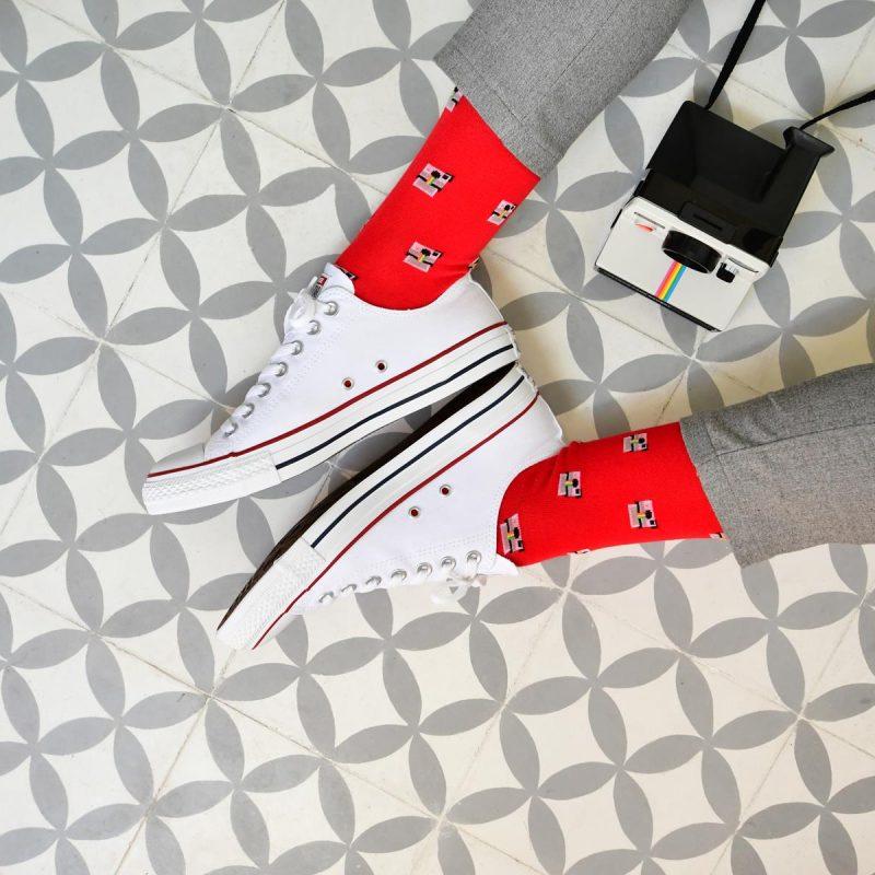 amorsocks-calcetines-socks-camara-instantanea-rojo-red-gris-grey-polaroid