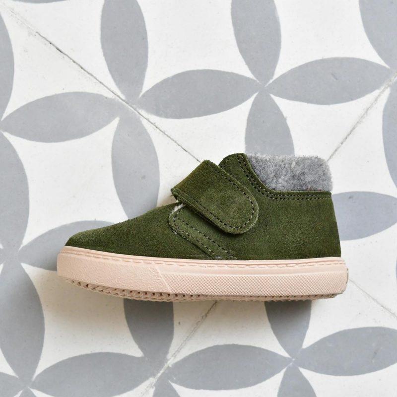 w10201-013_AmorShoes-Igor-shoes-botita-niños-piel-vuelta-borreguito-fieltro-verde-green-w10201-013