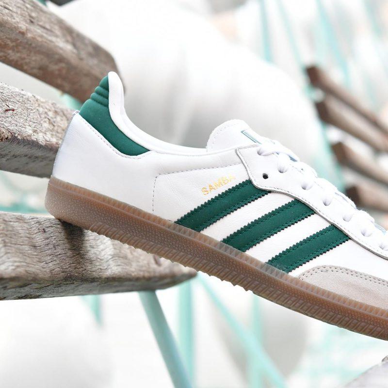 No complicado Fabricante bomba  Adidas Originals Samba OG Blanca Rayas Verdes y Suela de Caramelo -  AmorShoes