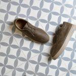 PLAW-04_AmorShoes-Barqet-Paradigma-Low-Kaki-Leather-zapato-zapatilla-piel-caqui-kaki-forro-pelo-PLAW-04