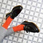 amorsocks-calcetines-socks-naranja-lunares-topos-negros-orange-dots-black