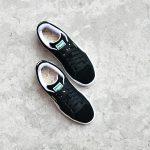 352634-03_AmorShoes-Puma-suede-classic-black-white-zapatilla-piel-vuelta-clásica-negra-negro-blanco-352634-03